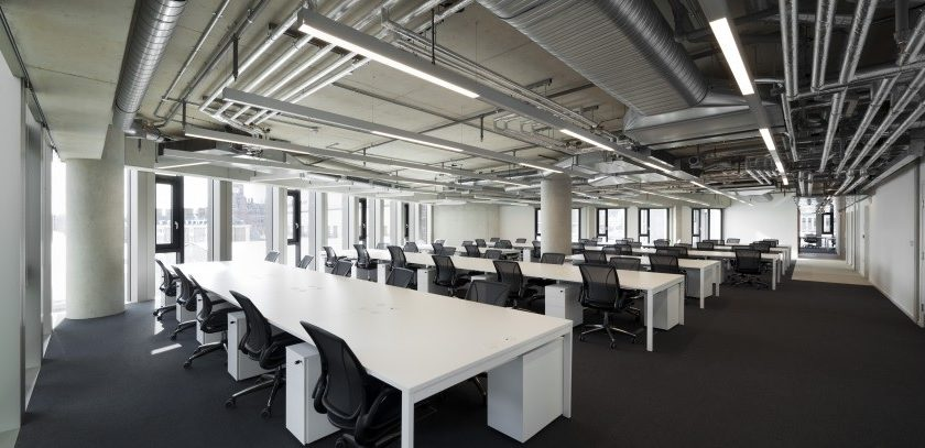 The-Stanley-Building-7-Pancras-Square-TOG-Desk-space.jpg